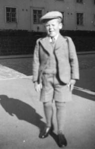 Ensimmäinen koulumatka Museokatu 46 1936